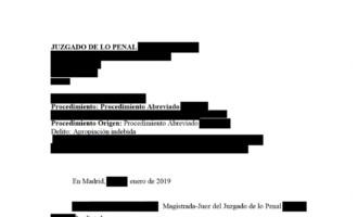 Absolución de un delito por apropiación indebida de un administrador de fincas por contradicciones en la acusación